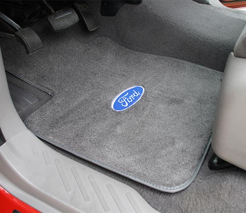acc cutpile floor mat with ford logo