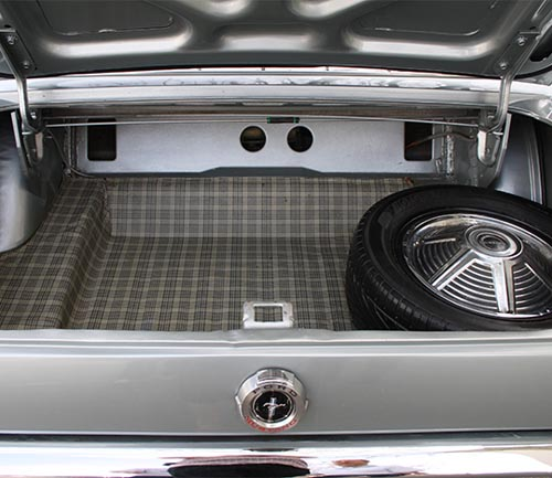 acc vinyl trunk mat in mustang