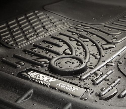 husky weatherbeater series floor mat grooves water